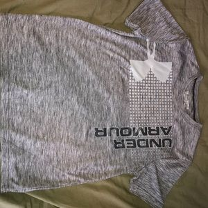 Boys Under Armour shirt. Size youth XL